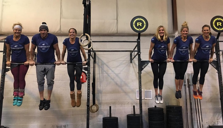 crossfit-masters-bar-muscle-ups